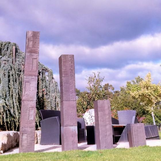 """Sculpture """"Monolithe"""" sur-..."""